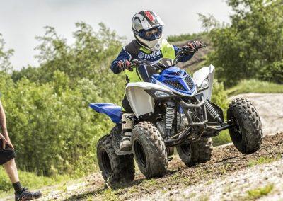 YFM90-ATV-Racing-Blue-climb